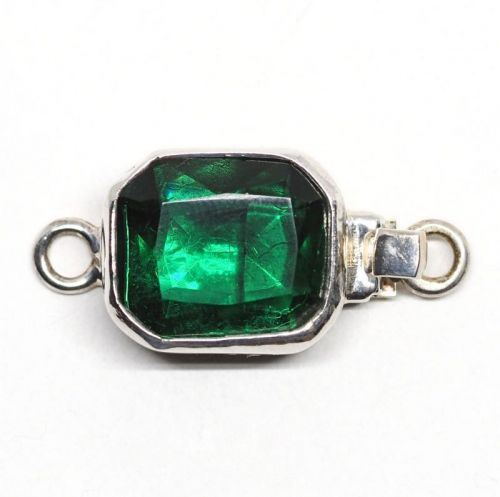 Emerald glass clasp