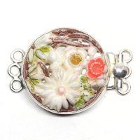 Floral bouquet clasp