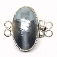 Giant pearl bracelet clasp